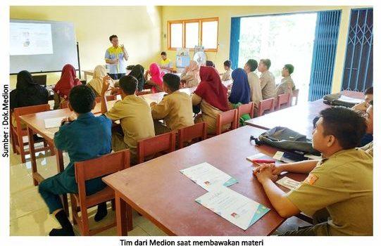 Medion Peduli Pendidikan Siswa SMK