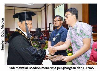Perguruan Tinggi Berikan Penghargaan untuk Medion