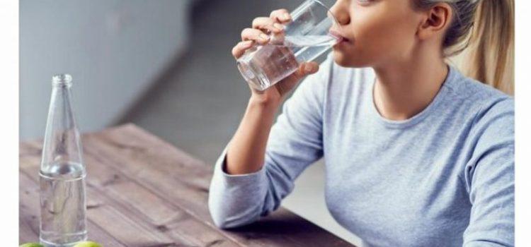 Tips Minum Air Putih dengan Tepat